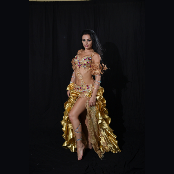 Belly_dance_gold_costumes