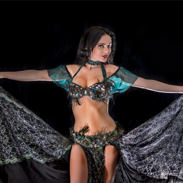 Belly_dance_peacock_costume