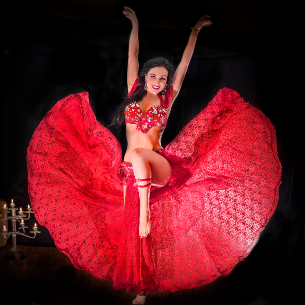 Belly_dance_red_costume